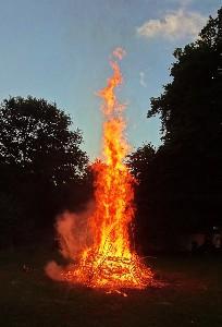 Verbranding van de Lughfiguur op CastleFest 2013. Foto Loes.