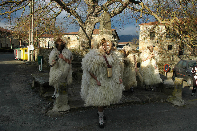 Traditional Basque Carnival Customes (photo by dantzan)