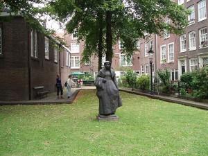 Amsterdam_-_Begijnhof_1