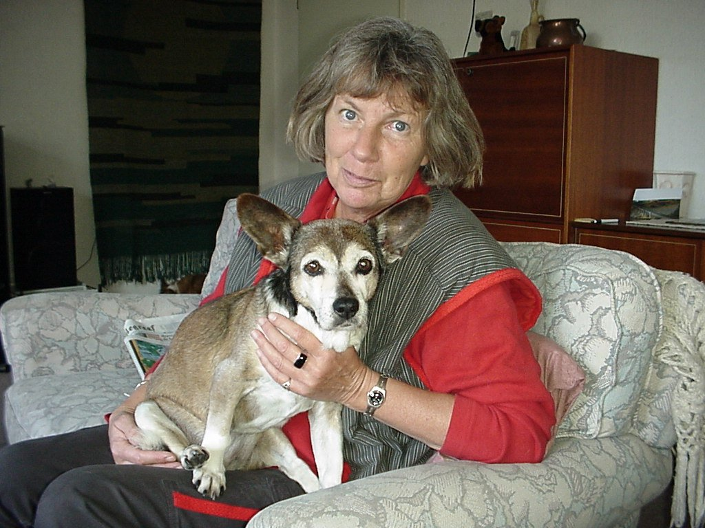Elsy Kloeg met haar hond Skylla