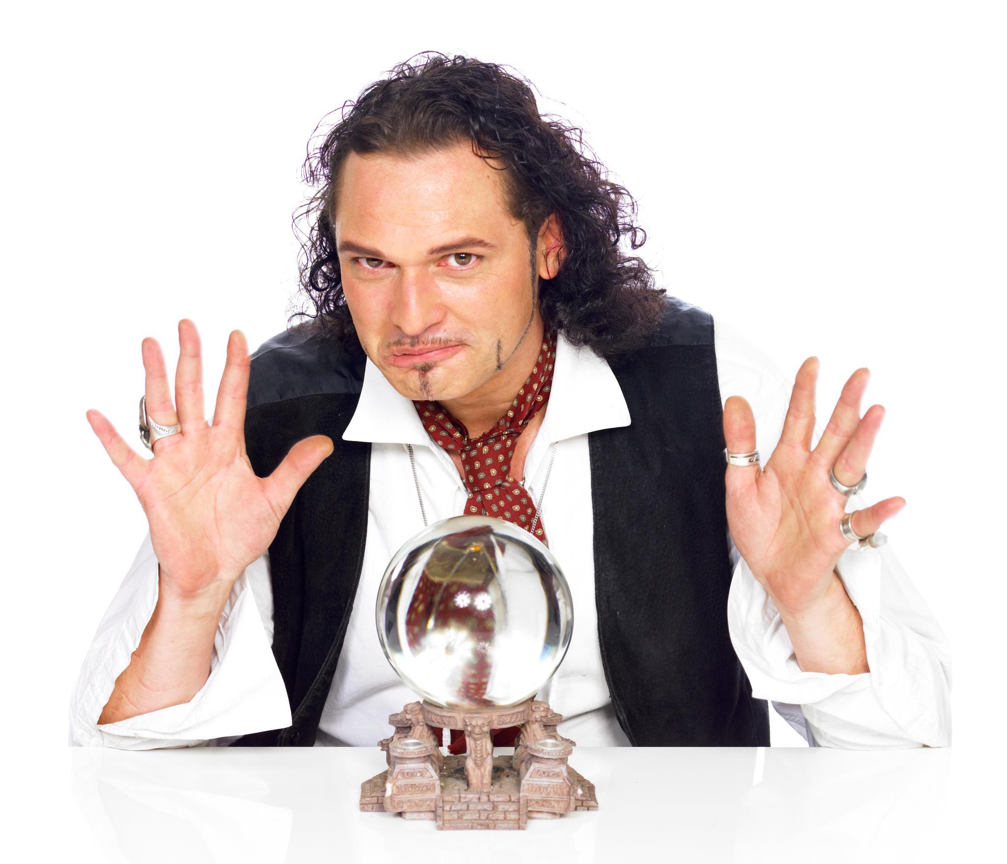 Raven Michaelis en een kristallen bol